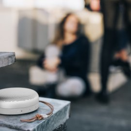 Bang & Olufsen BeoPlay A1,   lo speaker Bluetooth con 24 ore di autonomia