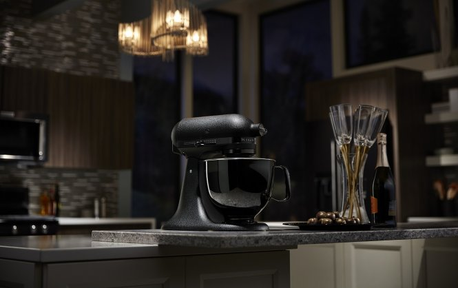 It's Time to Go Black ! IL NUOVO ROBOT DA CUCINA ARTISAN BLACK TIE DI KITCHENAID